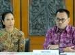 ?Menteri ESDM Sudirman Said (kanan), Menteri BUMN Rini Soemarno (kiri) memberikan keterangan pers terkait pengelolaan blok Mahakam di Kementerian ESDM, Jakarta, Jumat (19/6). (Republika/Agung Supriyanto)