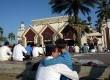 Umat Muslim melaksanakan Shalat Hari Raya Idul Fitri 1 Syawal 1436 Hijriah di Masjid At-Tin, Jakarta, Jumat (17/7).  (Republika/Rakhmawaty La'lang)