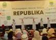 Hiburan Nasyid pada Muhasabah Akhir Tahun Republika di Bale Asri Pusdai, Kota Bandung, Rabu (31/12). (Republika/Edi Yusuf)
