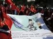 Ikatan Mahasiswa Muhammadiyah (IMM) menggelar aksi unjuk rasa di depan Istana Merdeka, Jakarta Pusat, Rabu (8/4).  (foto : MgROL_34)