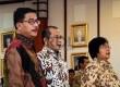 Menteri Agraria dan Tata Ruang/Kepala BPN Ferry Mursyidan (kiri) Menteri Desa PDT dan Transmigrasi Marwan Jafar (tengah), dan Menteri LHK Siti Nurbaya (kanan),  saat penandatanganan kerjasama pembangunan desa di Jakarta, Jumat (8/5).