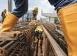 Pekerja menyelesaikan proyek pembangunan Stasiun mass rapid transit (MRT) Lebak Bulus, Jakarta, Rabu (1/2).