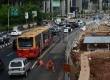 Bus TransJakarta terpaksa harus mengambil jalur umum akibat penutupan jalur busway di Jalan Sudirman, Jakarta Selatan, Selasa (28/4).  (Republika/Raisan Al Farisi)