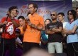 Gubernur DKI jakarta, Joko Widodo (tengah) bersama personil grup Slank mencanangkan