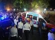 Jasad jenazah anggota kepolisian yang menjadi korban penembakan dimasukkan kedalam mobil ambulans di depan gedung KPK, Jakarta, Selasa (10/9) malam. ( Republika/Edwin Dwi Putranto)