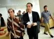 Ketua BPK Hadi Purnomo (kiri) bersama Gubernur DKI Jakarta Joko Widodo usai pertemuan di Kantor BPK, Jakarta, Senin (7/10). (Republika/Prayogi)