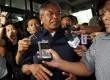 Ketum PSSI Djohar Arifin tiba memenuhi panggilan Komisi Pemberantsan Korupsi di Jakarta, Jumat (14/6).