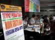Para pengguna sepeda motor mendaftar mudik gratis di Kementerian Perhubungan, Jakarta, Kamis (18/7).    (Republika/ Yasin Habibi)