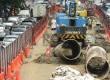 Pekerja menyelesaikan proyek jalan layang Transjakarta Koridor XIII rute Kapten Tendean-Blok M-Ciledug di Jalan Kapten Tendean, Jakarta Selatan, Senin (30/3). (Republika/Raisan Al Farisi)