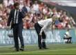 Pelatih Chelsea Antonio Conte (kiri) dan pelatih Arsenal Arsene Wenger tampak tegang menyaksikan anak asuhnya pada pertandingan Final FA Cup di Webley Stadium, Inggris, Ahad (28/5) dini hari.