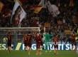 Pemain AS Roma merayakan kemenangan 3-1 atas juara liga Serie A Itali tahun di Olympic Stadium