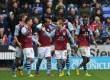 Pemain Aston Villa merayakan kemenangan.