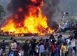 Pesawat Air Sita jatuh terbakar dekat Katmandu, Nepal, Jumat (28/9). (AP Photo)