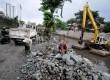Proyek normalisasi kali Ciliwung di Kawasan Matraman, Jakarta Pusat, Kamis (16/1).     (Republika/Prayogi)