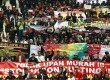 Ribuan buruh gabungan se-Jabodetabek melakukan long march dari Bundaran Hotel Indonesia menuju Istana Negara di Jalan MH Thamrin, Jakarta Pusat, Rabu (6/2). (Republika/Adhi Wicaksono)