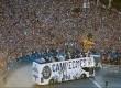 Ribuan Madridista menyemut di Cibeles Square Madrid merayakan kemenangan ke-12 Real Madrid di ajang Liga Champions Eropa.