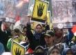 Ribuan massa dari Komite Nasional Untuk Kemanusiaan dan Demokrasi Mesir (KNKDM) bersama seluruh elemen masyarakat menggelar aksi damai mengutuk pembantaian warga sipil di Mesir di kawasan Bundaran HI, Jakarta, Senin (19/8). (Republika/Agung Supriyanto)