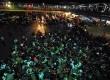 Ribuan pemudik bermotor tiba di Pelabuhan Merak, Banten, Kamis (16/8) malam. (Agung Supriyanto/Republika)