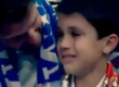 Seorang bocah yang mukanya terkena bola tembakan Cristiano Ronaldo