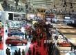 Suasana pengunjung menghadiri pameran Indonesia International Motor Show 2017 (IIMS) saat dibuka di Jiexpo kemayoran Jakarta, Kamis (27/4).