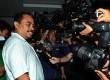 Terdakwa Luthfi Hasan Ishaaq sebelum mengikuti sidang pembacaan vonis di Pengadilan Tindak Pidana Korupsi Jakarta, Senin (9/12).  (Republika/ Tahta Aidilla)