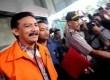 Tersangka kasus dugaan korupsi proyek Hambalang Andi Mallarangeng ditahan usai diperiksa di gedung KPK, Jakarta, Kamis (17/10).  (Republika/Wihdan)