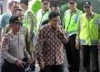 Tersangka korupsi Hambalang mantan Menteri Pemuda dan Olahraga, Andi Alfian Mallarangeng mendatangi gedung KPK, Jakarta, Jumat (11/1).  (Republika/Yasin Habibi)