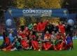 Tim PSG merayakan gelar juara Piala Liga Prancis 2014/2015