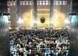 Umat muslim melakukan Shalat Jumat berjamaah di Masjid Istiqlal, Jakarta, Jumat (10/6).  ( Republika/ Wihdan)