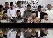 Wakil Ketua Majelis Ulama Indonesia (MUI) Ma'ruf Amin (tengah) didampingi pengurus MUI dan sejumlah ulama menyampaikan pernyataan sikap terkait insiden tragedi Tolikara, Papau di Jakarta, Rabu (22/7). MUI mengutuk keras segala tindakan kekerasan terhadap u