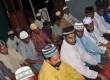 Warga muslim Papua melaksanakan shalat berjamaah di Masjid Al-Haq, Pomako, Distrik Mimika Timur, Timika, Papua.