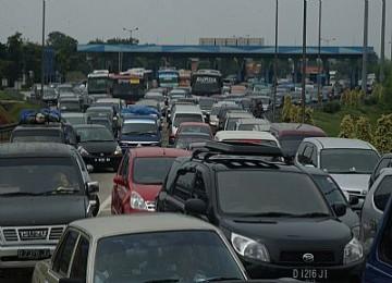 Kemacetan di jalan tol