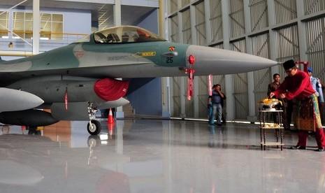 Dua Pilot F16 yang Terbalik Jalani Pemeriksaan Psikis