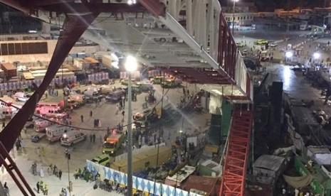 Suasana beberapa saat setelah crane jatuh di Masjidi Haram.
