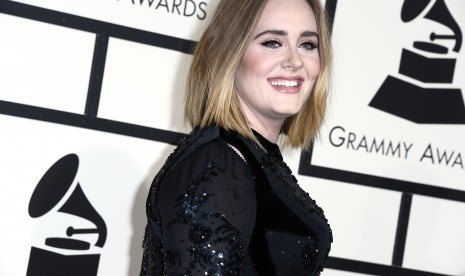 Adele Temui Korban Kebakaran London