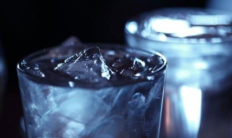 Air Dingin Membuat Badan Gemuk, Hoax atau Fakta?