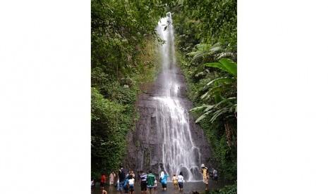 Yuk Nikmati Air Terjun di Taman Safari