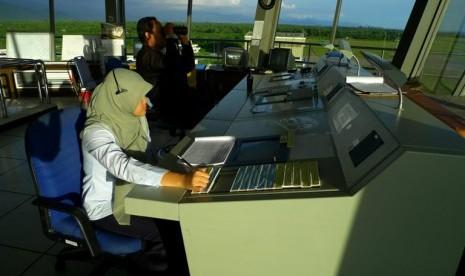 Air Traffic Control Indonesia Air-traffic-control-ilustrasi