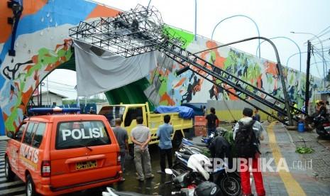 In Picture: Bandung Diterjang Badai