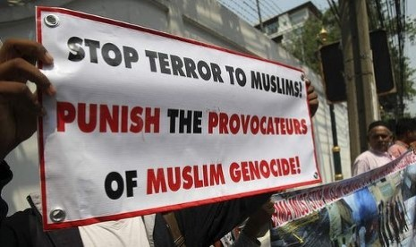 http://static.republika.co.id/uploads/images/detailnews/aksi-muslim-di-myanmar-menentang-gerakan-anti-muslim-_130504141404-103.jpg