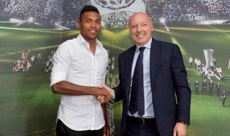 Juventus Dilaporkan Siapkan Kontrak Baru untuk Sandro