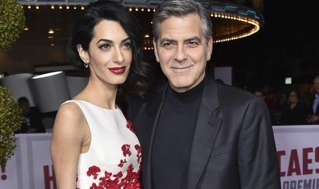 George Clooney Sutradarai Film Satire Soal Amerika