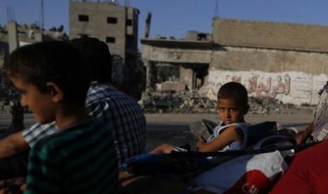 Anak-anak kecil yang tinggal di Jalur Gaza kondisinya memprihatinkan.