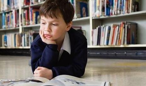 10 Cara Agar Anak Hobi Membaca
