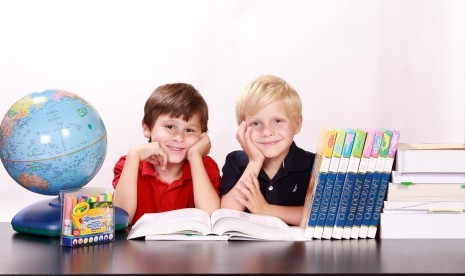 Metode Tepat Anak Belajar Bahasa Asing Sejak Dini