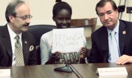 Anak perempuan (Tengah) Nigeria yang keluarganya pernah menjadi korban kekejaman Boko Haram
