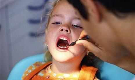 Anak periksa gigi/ilustrasi