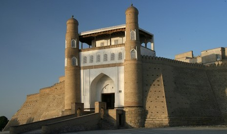 Imam Bukhari: Pemimpin Kaum Mukmin dalam Ilmu Hadits (Bag 2)