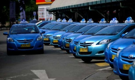 Bluebird Taxi Indonesia images