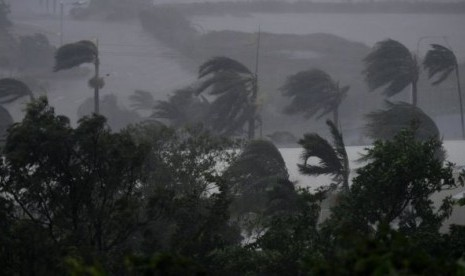 Badai 'Monster' Serang Australia